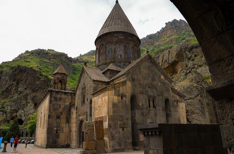 манастир герард