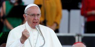 папа долази