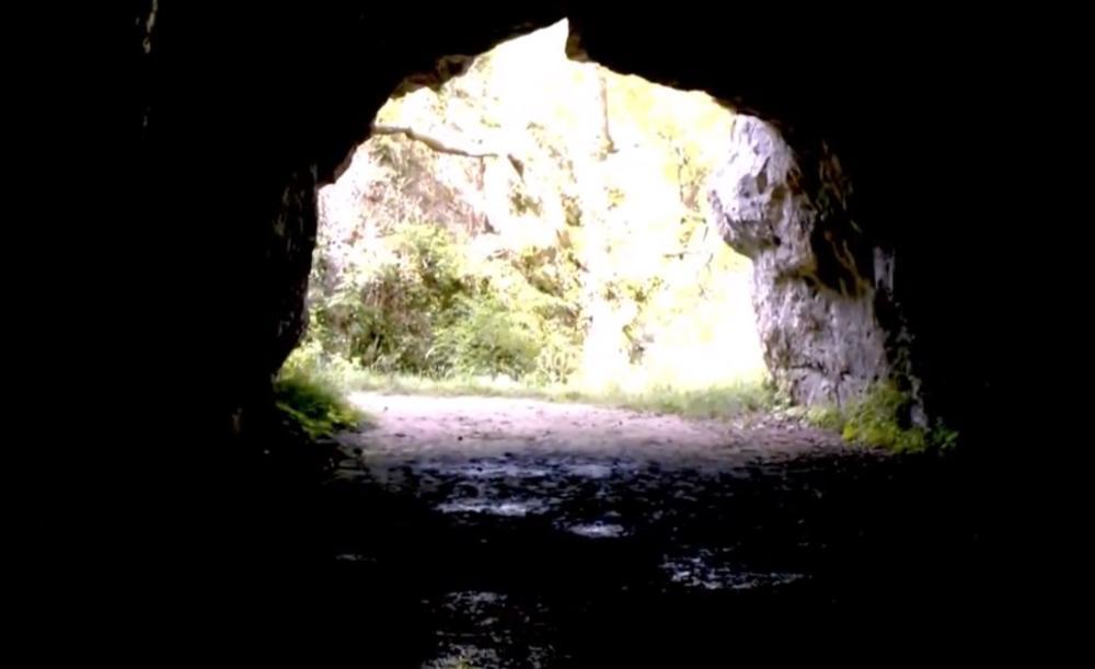 бака и дека пећина