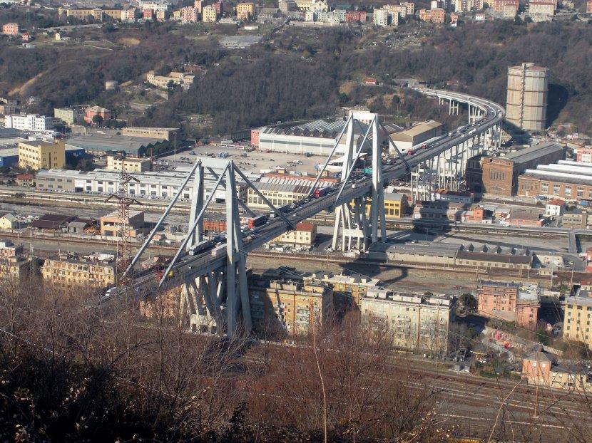 пад моста