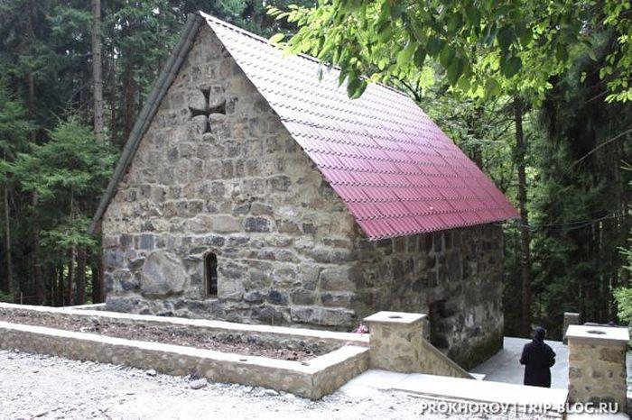 манастир серафима саровског