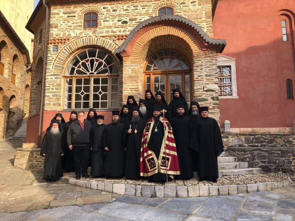 """Скандалозно! Епископ лажне """"Православне цркве украјине"""" служио на Светој Гори"""
