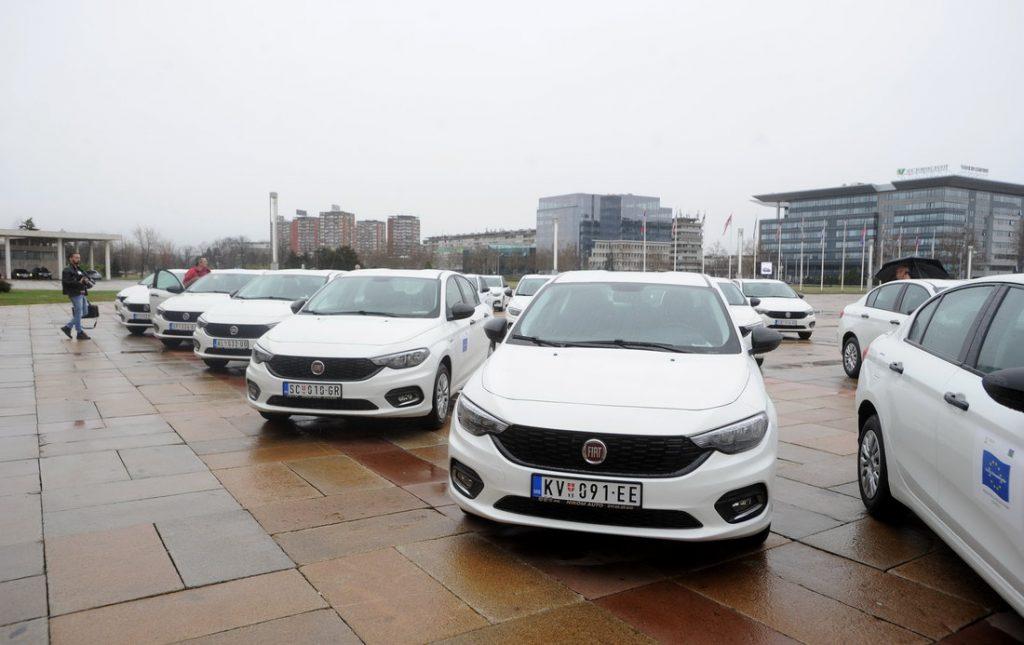 30 аутомобила