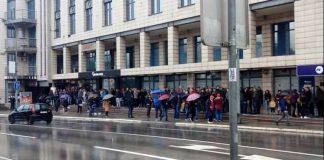 пред конзулатом словеније у бањалуци