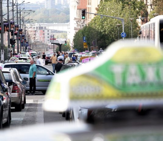 протест београдских таксиста